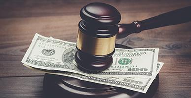 Арешт зарплатних коштів слід скасовувати в суді